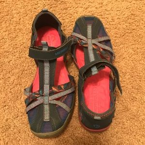 Women's/ girls Merrell hiking/ water shoes